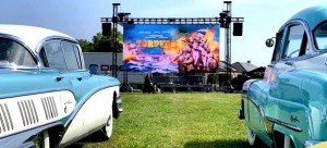 Corona: D-Dream creates community drive-in shows with Chauvet