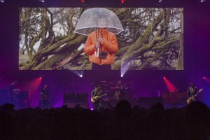 Colour Sound supports Manic Street Preachers