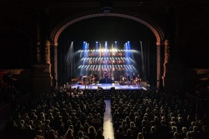 Martijn Steman and Chauvet create looks for Jan Smit tour