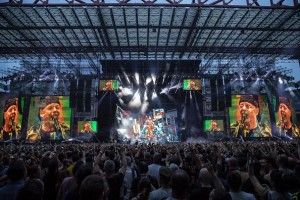 Robe moving lights illuminate Vasco Rossi's stadium shows